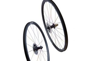 HUNT 30 Carbon Aero Disc Ti-Nitride Limited Edition Wheelset